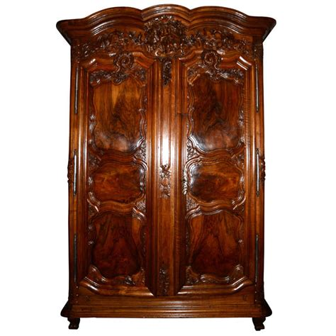 Large 18th Century Period Régence Armoire With Coat Of