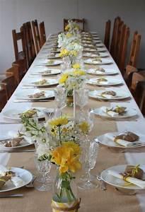 Deco De Table Communion : communion en jaune et blanc en 2019 jaune et blanc white and yellow wedding decorations ~ Melissatoandfro.com Idées de Décoration