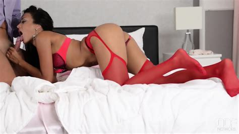 Babe With Red Stockings Gives Fantastic Footjob Eporner