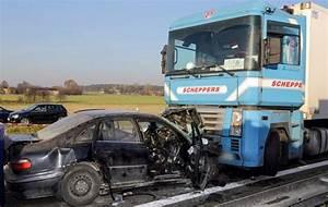 Accident N20 Aujourd Hui : pologne 30 morts dans des accidents de la route durant le weekend de la toussaint aujourd 39 hui ~ Medecine-chirurgie-esthetiques.com Avis de Voitures