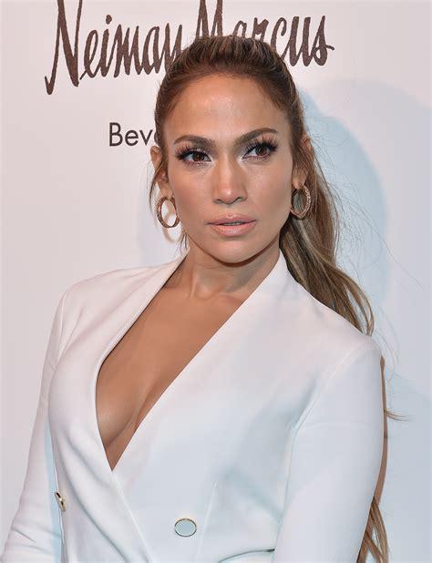 Jennifer Lopez Hints at Drake Break up With Cryptic