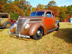 Garage Ford 93 : 1937 ford coupe ford barn pinterest ford cars and garage art ~ Melissatoandfro.com Idées de Décoration