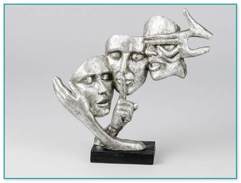 skulpturen für garten deko skulpturen silber