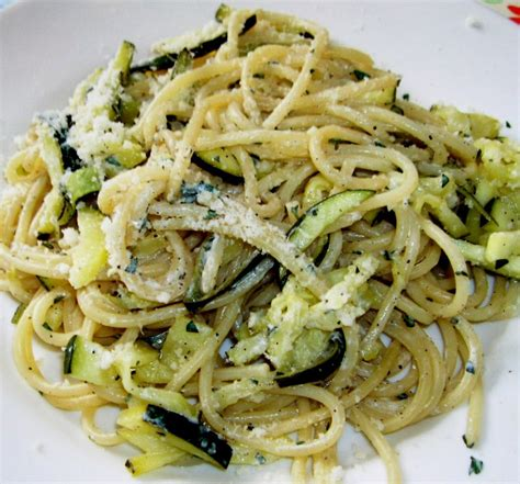 comment cuisiner les courgettes spaghettis spaghetti courgette et citron on a cooking spree