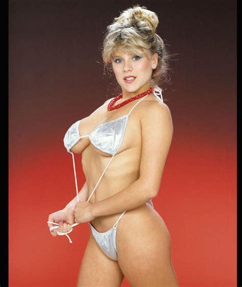 samantha mathis bikini bikini clad samantha fox shows off her figure in 1983