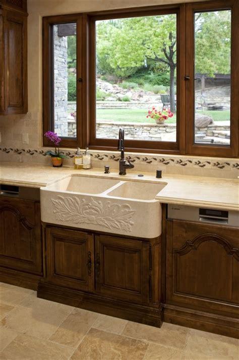 farmhouse sink  tuscany kitchen