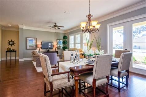 Bring your living room with a dining area back to life