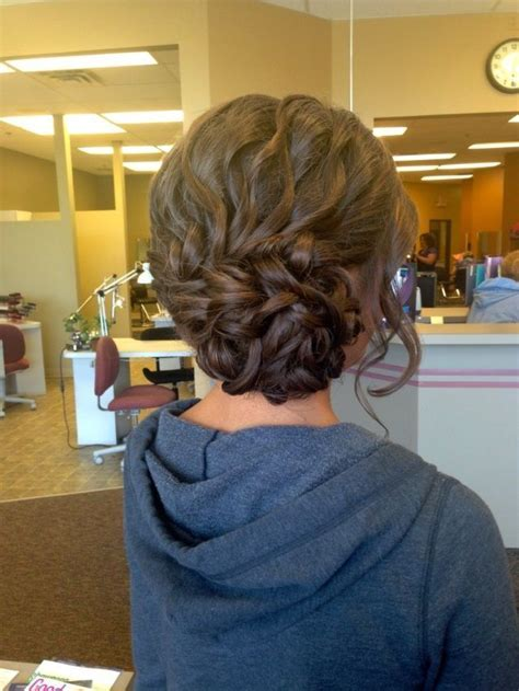17 Fancy Prom Hairstyles for Girls   Pretty Designs