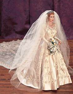 and seem to walk on wings and tread in air 59 portrait of With wedding dress of princess elizabeth