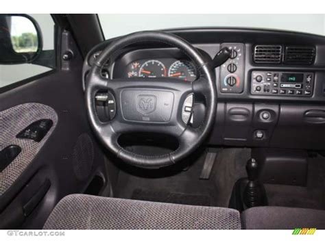 2001 Dodge Ram 1500 SLT Club Cab 4x4 Dashboard Photos