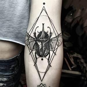 Tatouage 3 Points : le tatouage graphique trouver les meilleurs exemples ~ Melissatoandfro.com Idées de Décoration