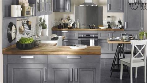 facade cuisine chene brut comment relooker sa cuisine sans tout changer décoration