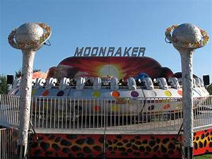 Eight taken to hospital after ride malfunction at ...  Ride