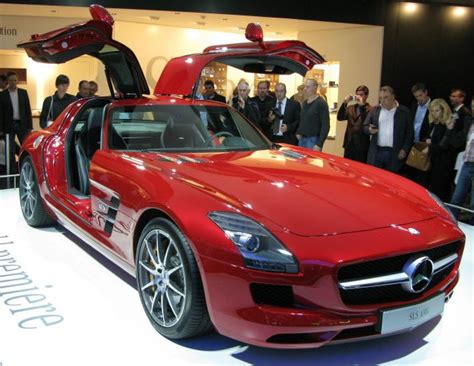 Cars With Wing Doors : Wing Doors Mercedes & 2011 Mercedes-benz Sls Amg Gullwing