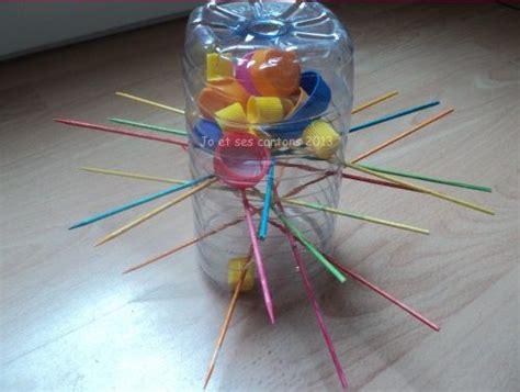 fabriquer une le avec une bouteille fabriquer le jeu de soci 233 t 233 171 s o s ouistiti 187 avec des bouchons et une bouteille jeux pour