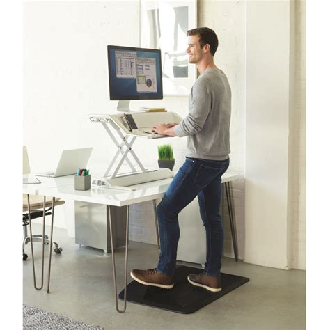 benefits of sit stand desk 5 surprising health benefits of standing desks that you