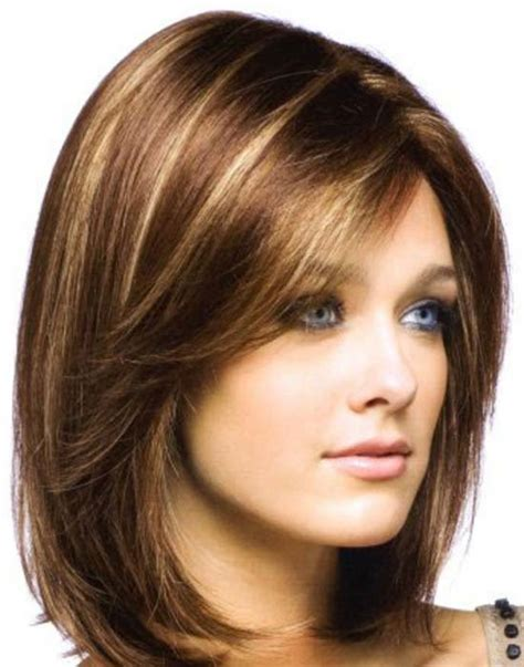 As a round face lacks length, wearing long hair straightened in a super sleek style works to stretch the face vertically. 30 Beautiful Medium Hairstyles for Round Faces You Should Try