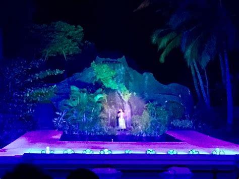 Kauai Boat Tour Family by Best Luau In Kauai Smith Family Luau Fern Grotto Tour