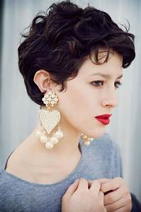 Short Hairstyles Thick Hair Round Face : Haircuts Styles ...