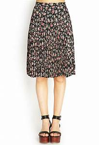 Forever 21 Pleated Floral Midi Skirt in Pink (BLACK/CORAL ...