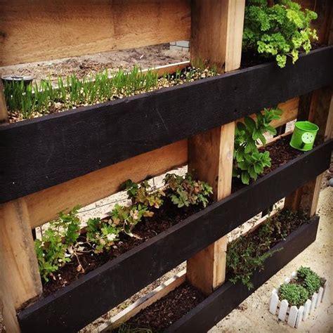 Vertical Herb Garden Pallet by Diy Pallet Vertical Herb Garden Hanging Planter 99 Pallets
