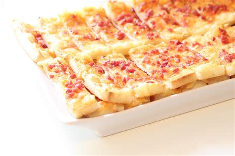 bretzel caf 233 cr 232 me allumettes au fromage et aux lardons