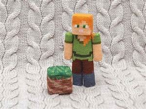 The Crochet Patterns Let You Make Minecraft Amigurumi