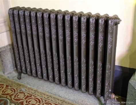 repeindre un meuble cuisine repeindre un radiateur en fonte evtod