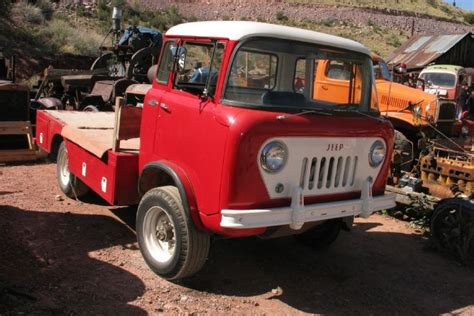 guys    jeep pickup searching  rusty arizona auto treasures