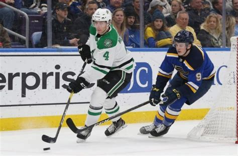 Islanders, Stars advance to Stanley Cup playoffs ...