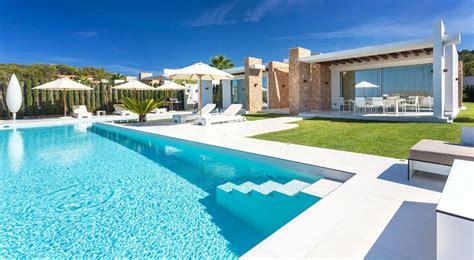 magnifique villa de luxe  ibiza  lemplacement