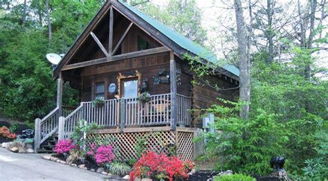 pet friendly cabins in gatlinburg 100 mountain memories true log cabin not pet vrbo