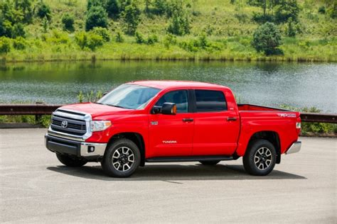 2015 toyota lineup 2015 toyota tundra all v8 lineup starts at 29 510 edmunds