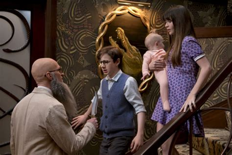 presley smith behind the scenes a series of unfortunate events recap snake in the glass