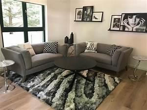 Braunes Sofa Welche Wandfarbe : braunes sofa bilder ideen couchstyle ~ Watch28wear.com Haus und Dekorationen