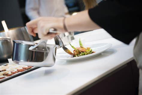 l 39 eclaireur accueille les cours de l 39 ecole de cuisine d