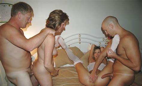 Amateur Homemade Old And Young Swinger Orgy 14 Bilder