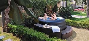 Outdoor whirlpool bezahlbarer luxus fur den garten for Whirlpool garten mit sanierung von balkonen