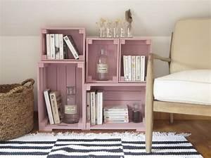 une bibliotheque fabriquee avec des caisses en bois joli With chambre bébé design avec bac fleur ikea