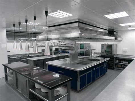 la organizacion de la cocina en  restaurante