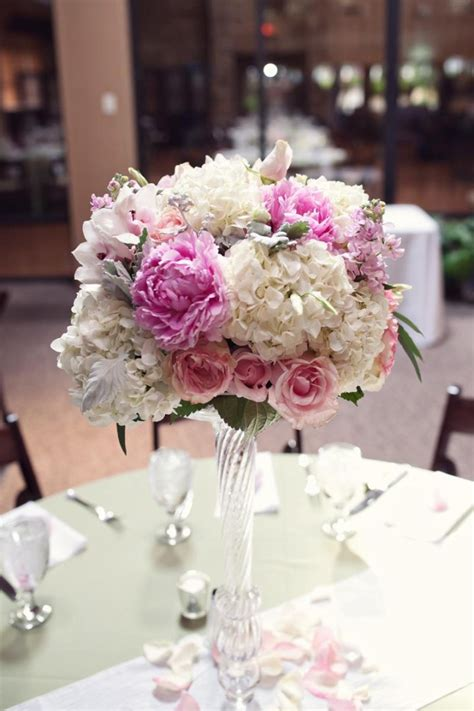 Wedding Centerpieces by Floral Wedding Centerpieces Modwedding