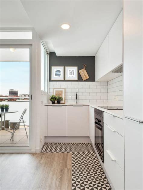 sols de cuisine vous cherchez des idées pour un carrelage noir et blanc