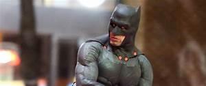 Ben Affleck's Batman Fighting Jared Leto's Joker: 1st Look ...