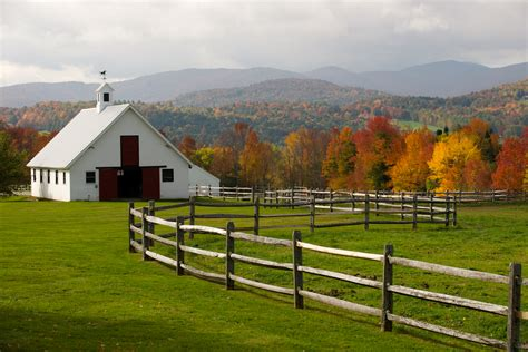 horse farm barn warren vermont fall barns country vt foliage classic crib double which fencing amidst its rickholliday