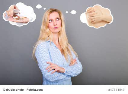 was frauen einem mann erwarten beziehungsweise brustverg 246 223 erung mit implantaten oder eigenfett 427   brustvergoesserung eigenfett oder silikon 1
