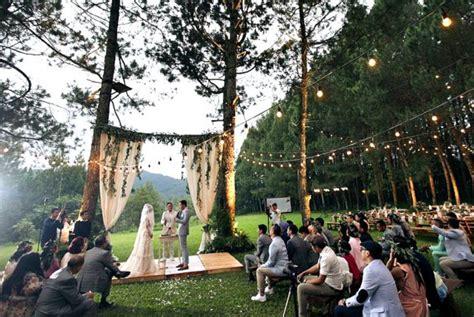 inspirasi konsep pernikahan outdoor unik terbaru rumah