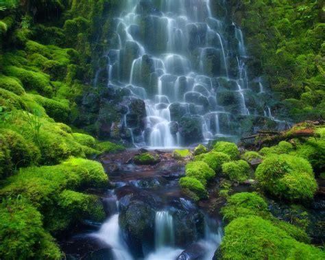 cascade waterfall sensoria rain forest costa rica mexico