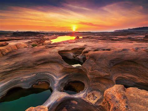 Thailand, Ubon Ratchathani Sunset Wallpaper 1024x768