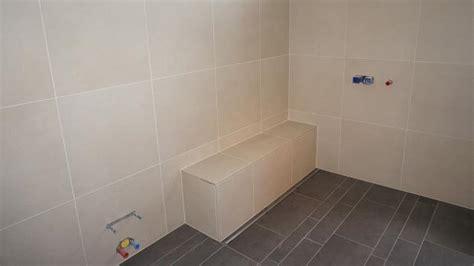 Kleines Badezimmer Verfliesen by Gut Geplant Ist Halb Verlegt Die Vorbereitung Zum