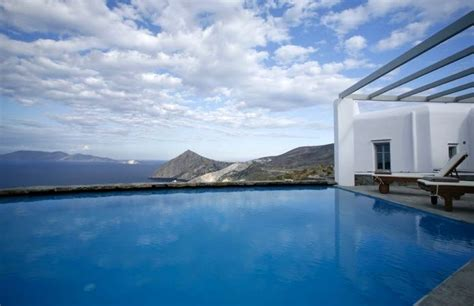 hotels  folegandros   guide